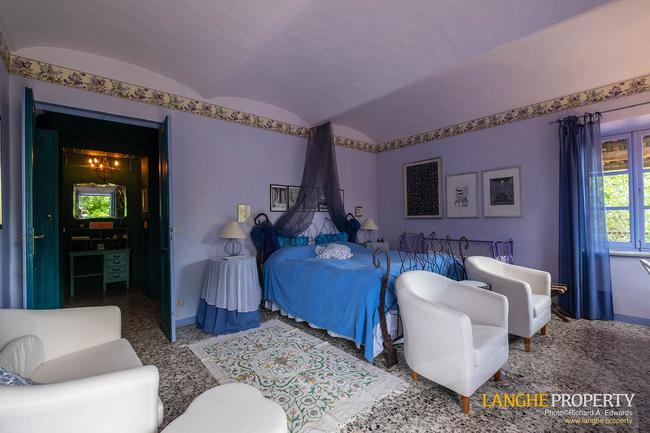 Beautiful Piedmont bed and breakfast for sale-7