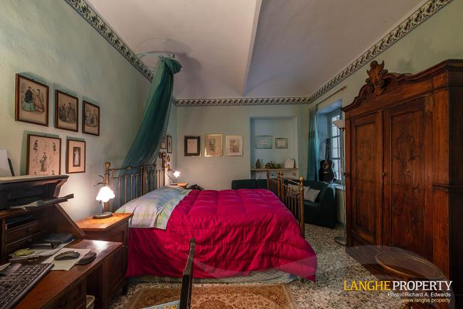 Beautiful Piedmont bed and breakfast for sale-11