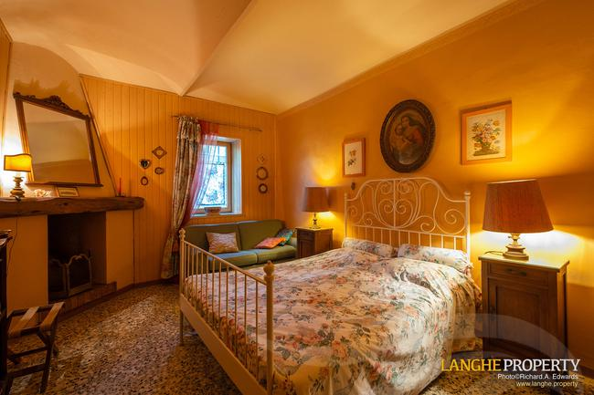 Beautiful Piedmont bed and breakfast for sale-13