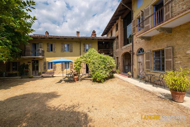 Beautiful Piedmont bed and breakfast for sale-41
