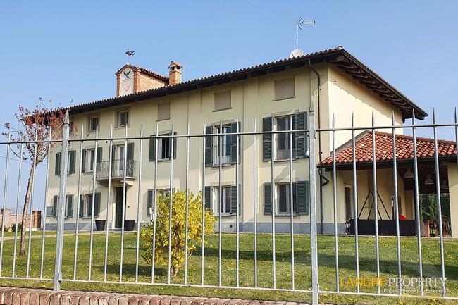 Luxury Monferrato villa-1