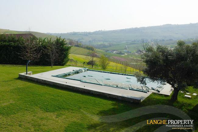 Luxury Monferrato villa-27