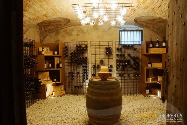 Luxury Monferrato villa-29