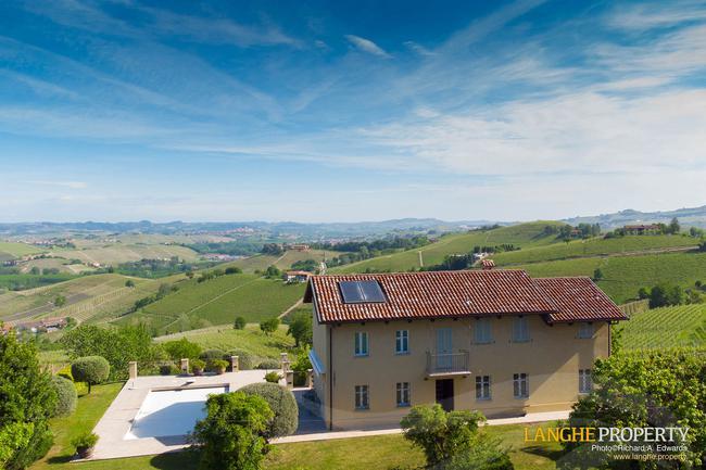 Luxury home in Barolo area-0