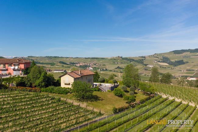 Luxury home in Barolo area-1