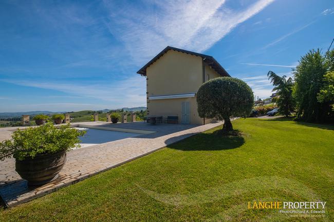 Luxury home in Barolo area-3