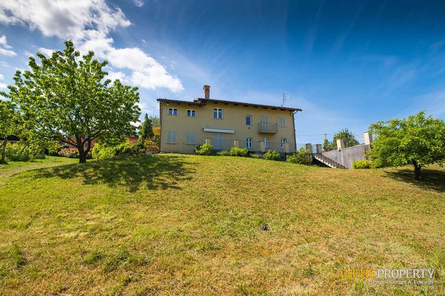Luxury home in Barolo area-4