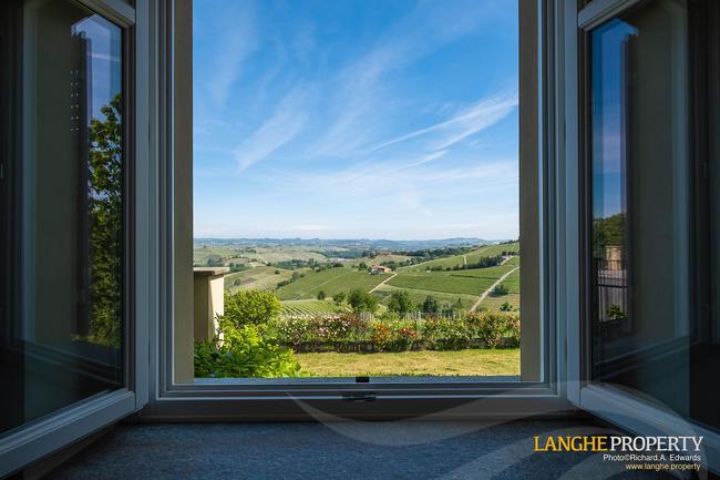 Luxury home in Barolo area-10