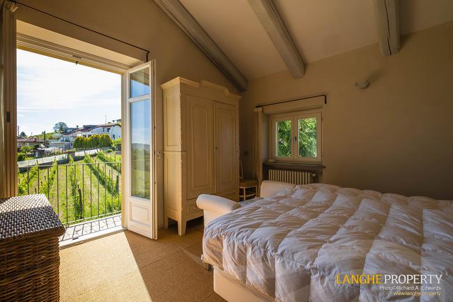 Luxury home in Barolo area-14