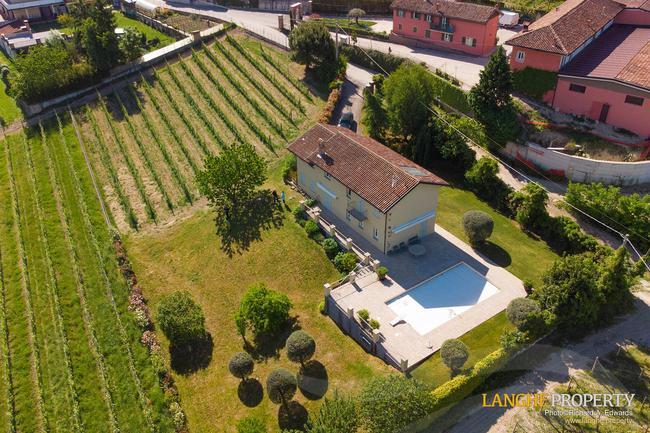 Luxury home in Barolo area-26
