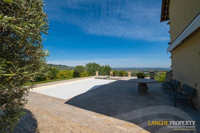 Luxury home in Barolo area-30