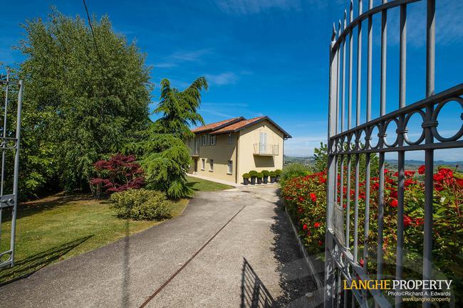 Luxury home in Barolo area-31