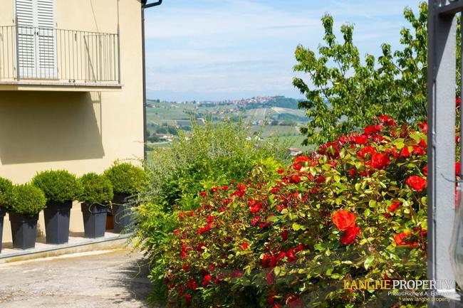 Luxury home in Barolo area-32