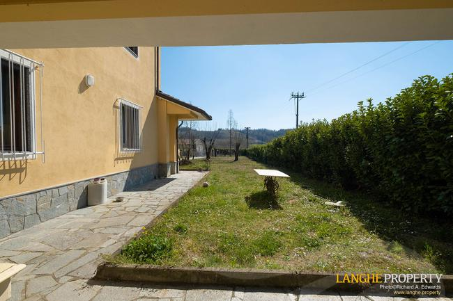 Country house with guest accommodation-3