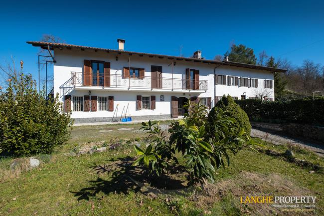 Asti farmhouse with guest apartment-1