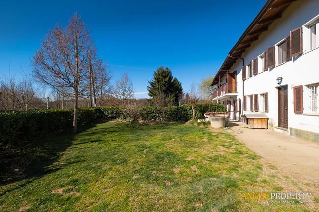 Asti farmhouse with guest apartment-2