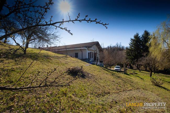 Asti farmhouse with guest apartment-3