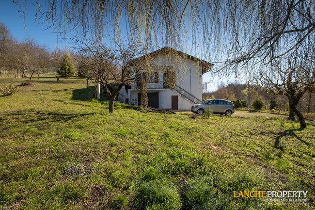 Asti farmhouse with guest apartment-4