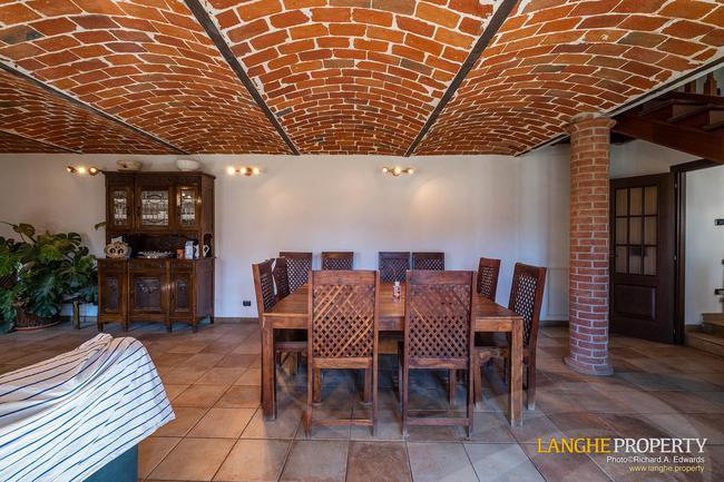 Asti farmhouse with guest apartment-7