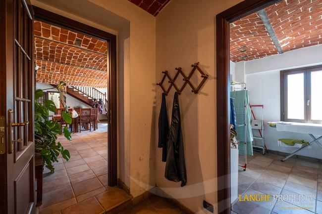 Asti farmhouse with guest apartment-10