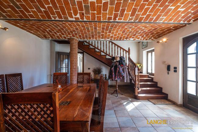 Asti farmhouse with guest apartment-14