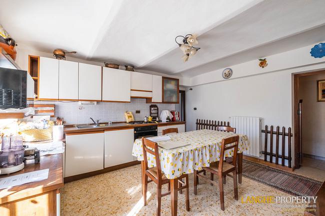 Asti farmhouse with guest apartment-16