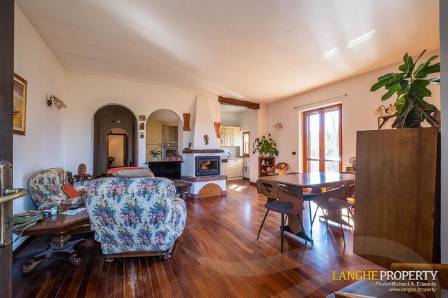 Asti farmhouse with guest apartment-25
