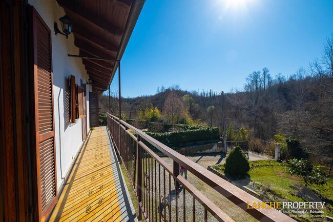 Asti farmhouse with guest apartment-32