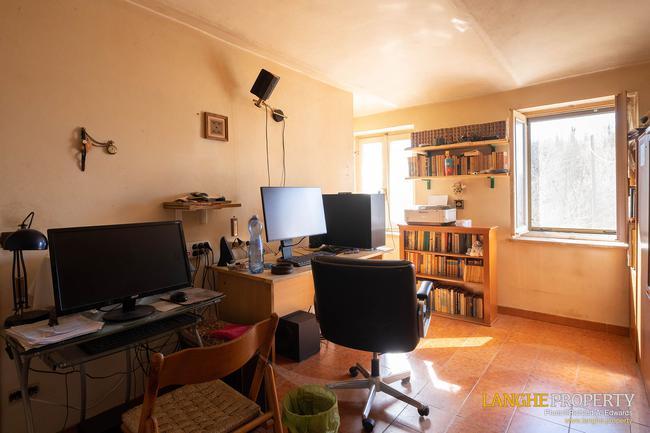 Asti farmhouse with guest apartment-40