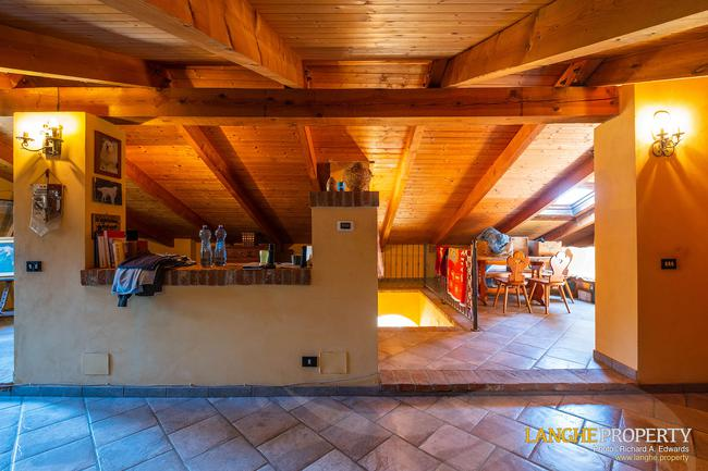 Asti farmhouse with guest apartment-45
