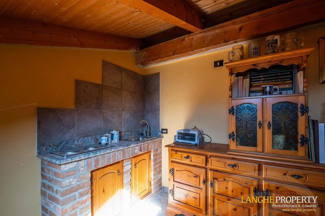Asti farmhouse with guest apartment-48