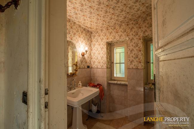 Prestigious Piedmont villa-21