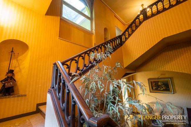 Prestigious Piedmont villa-22