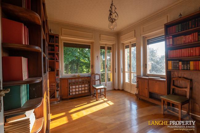 Prestigious Piedmont villa-32
