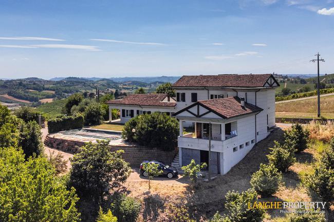 Monferrato villa in beautiful location-1