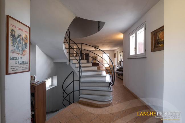Monferrato villa in beautiful location-8