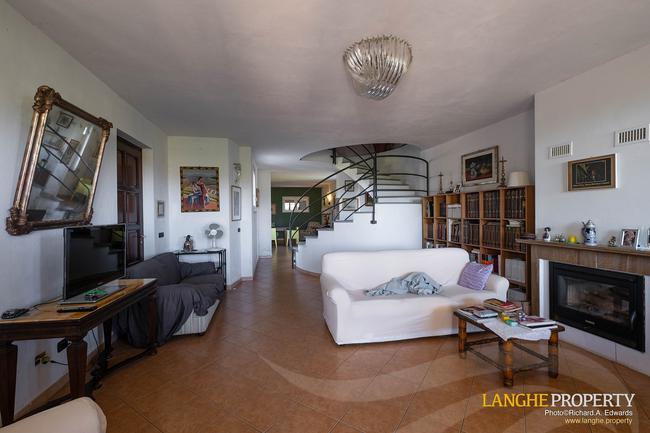 Monferrato villa in beautiful location-10