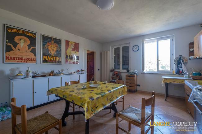 Monferrato villa in beautiful location-11