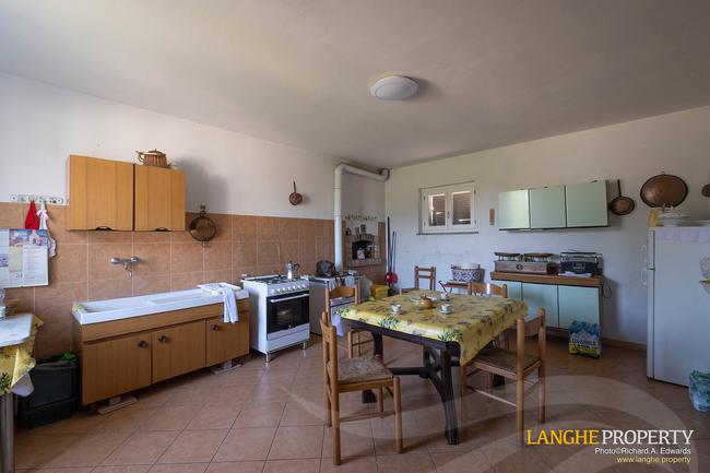 Monferrato villa in beautiful location-12