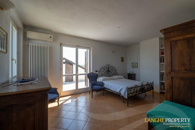 Monferrato villa in beautiful location-19