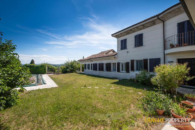 Monferrato villa in beautiful location-30