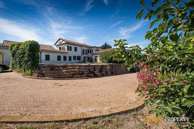 Monferrato villa in beautiful location-31