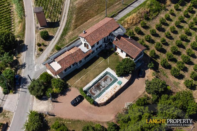 Monferrato villa in beautiful location-35