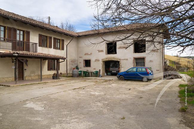 Farmhouse in need of renovation-7