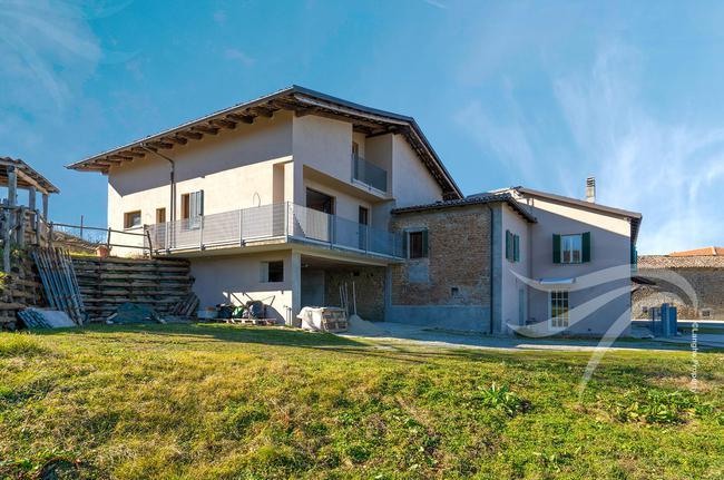 Two-family Langhe farmhouse-30
