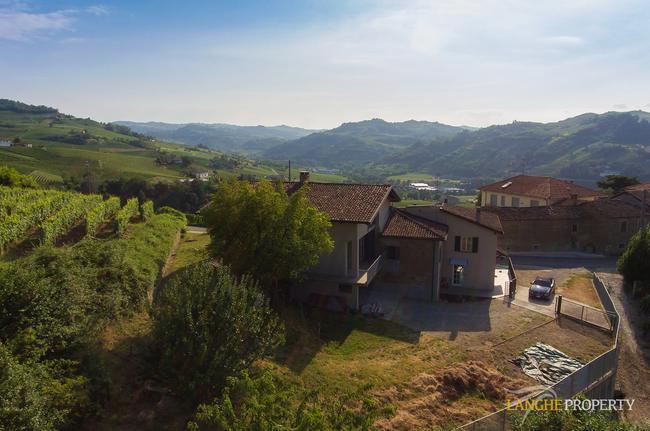 Two-family Langhe farmhouse-34