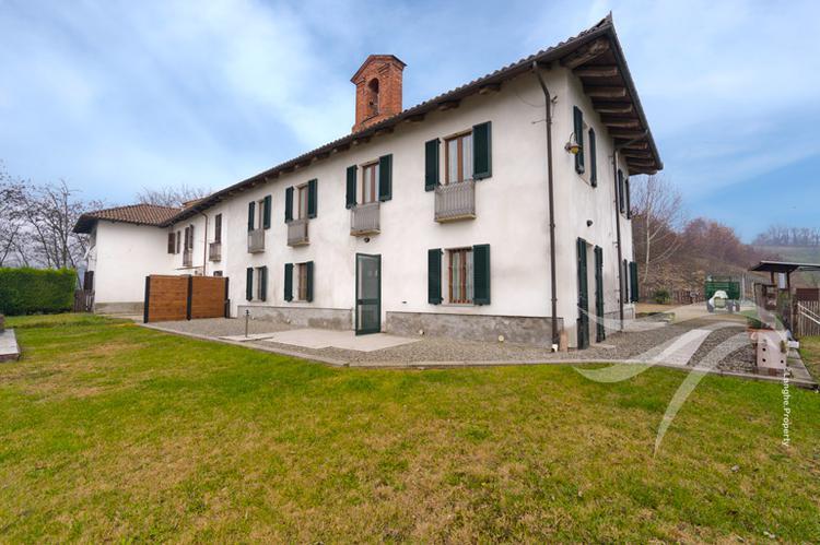 Restored home near Asti