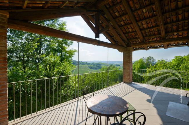 Beautiful home in the Alba hills-16