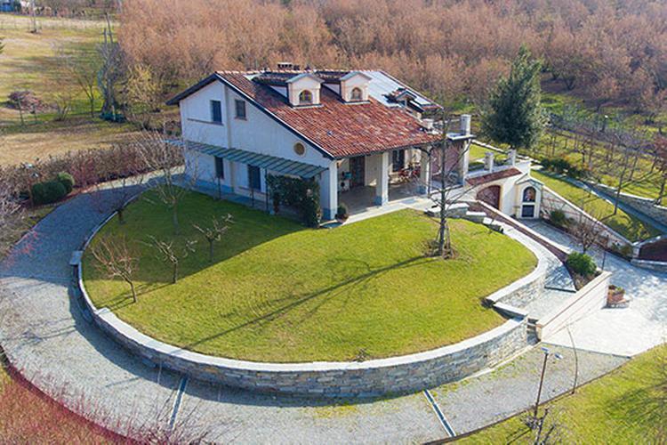 Villa close to Barolo area