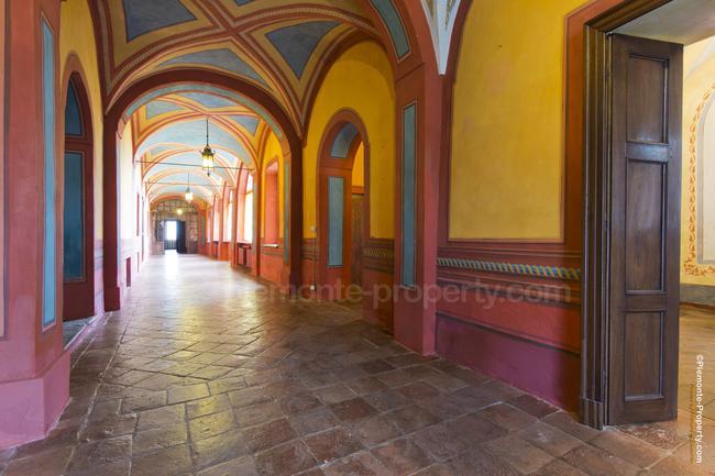 Luxury villa in beautiful position-3